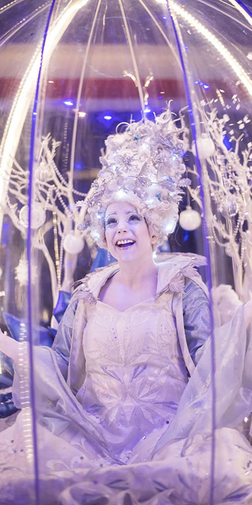 Living Snow Globe act 'let it snow!'