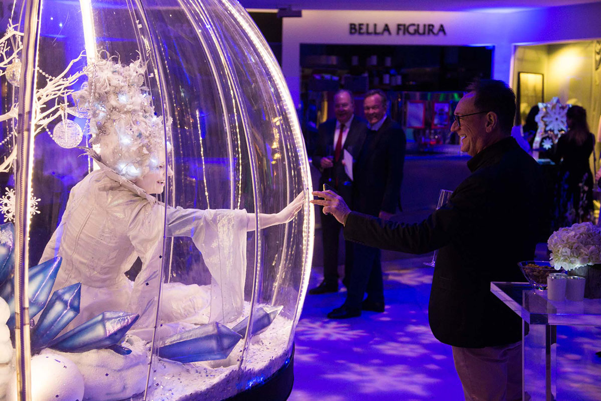 Living Snow Globe act, Christmas party entertainment event