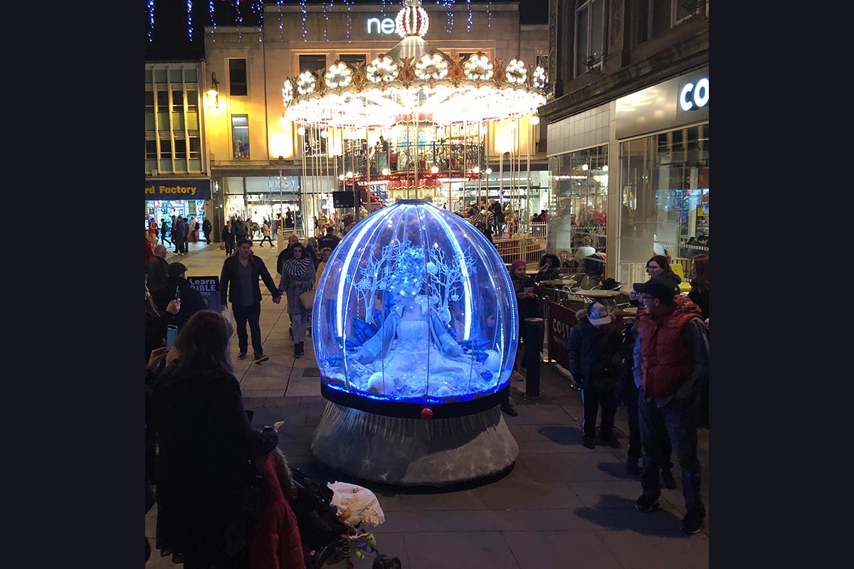 Cardiff Christmas lights entertainment